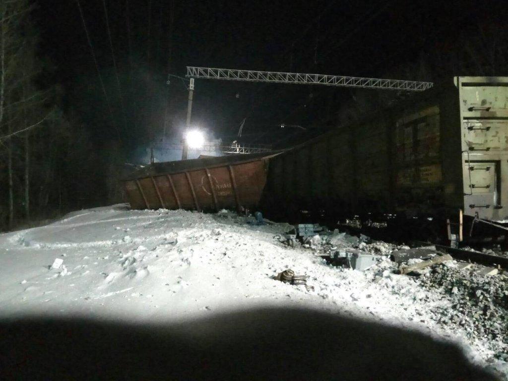 В Могочинском районе Забайкальского края произошел сход вагонов грузового поезда